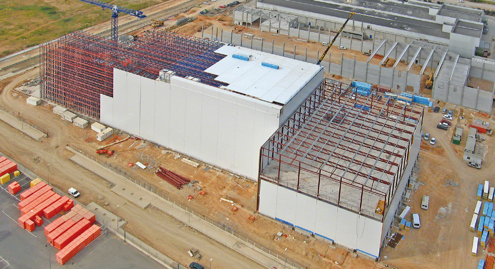 Thermal insulation in cold storage installations