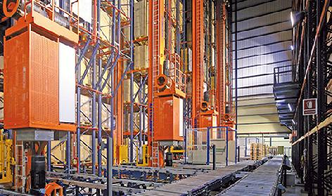 Stacker cranes for pallets
